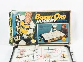 BOBBY ORR HOCKEY GAME GOlD CUP MODEl  2212   BOX