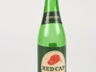CARlING RED CAP AlE 12 OZ  GREEN GlASS BOTTlE