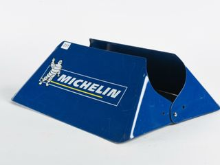 MICHElIN MAN TIRE STAND   NOS