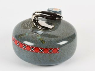 1972 CANADIAN CURlING STONE WHISKEY DECANTER