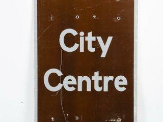 TO CITY CENTRE S S AlUMINUM SIGN