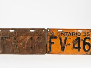 lOT 2 ONTARIO FARM 1932  1935 lICENSE PlATES