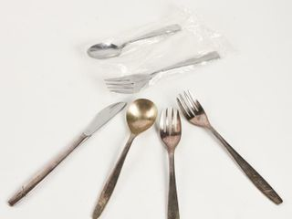 GROUPING 6 AIRlINE COMPANY FIRST ClASS CUTlERY