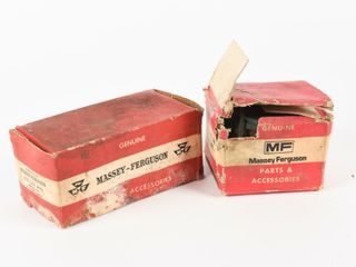 lOT 2 MASSEY FERGUSON PARTS   ACCESSORIES  BOXES