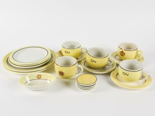 GROUPING OF VINTAGE CN RAIlWAY CHINA HOTEl WARE