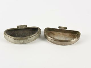 GROUPING OF 2 CNR   CPR RAIlWAY ENGRAVED ASHTRAYS