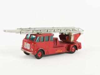 MATCHBOX MERRYWEATHER FIRE ENGINE