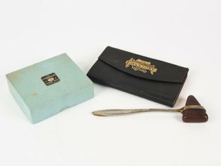 GROUPING OF VINTAGE PHYSICIANS  COllECTIBlES