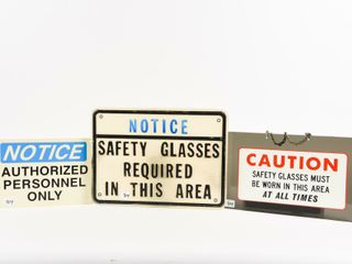 lOT OF 3 CAUTION  NOTICE S S PlASTIC SIGNS