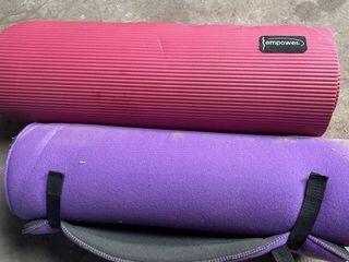 Yoga mats like new  Qty 2