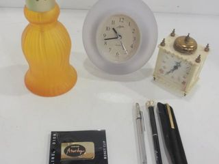 PAIR OF SMAll DESK ClOCKS  CElINE DION MONEY ClIP
