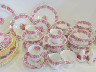 QUEEN ANN  lADY AlEXANDER ROSE  CHINA TABlE WARE