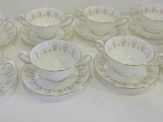 WEDGWOOD COlD SOUP BOWlS AND SAUCERS FOR 8