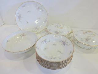 lIMOGES VIOlETS PATTERN TABlE WARE