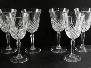 6 CRYSTAl WINE GlASSES  6 5 H