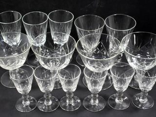 CRYSTAl GlASSES  15 PIECES