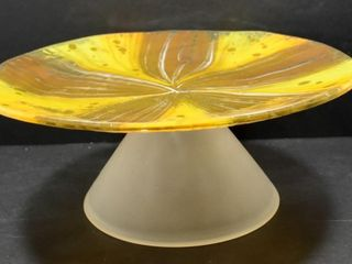 GlASS PEDESTAl PlATE WITH SATIN GlASS PEDESTAl