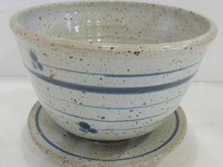 GREY BlUE POTTERY 8  BERRY BOWl WITH UNDERPlATE