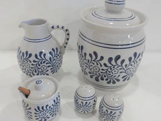 CERAMARTE BRAZIl DElFT WATER PITCHER  lIDDED JAR