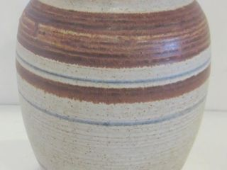 lIDDED 8  GINGER JAR   PETTIS CRAFTS CUMBERlAND ON