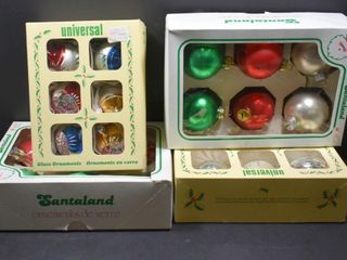 GlASS CHRISTMAS ORNAMENTS IN BOXES