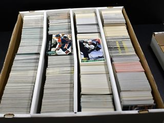 HOCKEY CARDS IN BOX