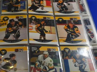 HOCKEY CARDS IN BINDER