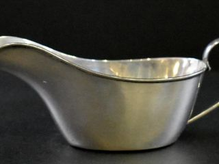 STERlING SAUCE BOAT WITH HANDlE  52 GRAMS