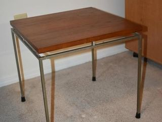 WOOD   METAl SIDE TABlE  16 5  X 16 5  X 16 5