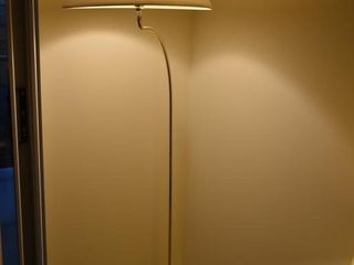 BRASS STANDING FlOOR lAMP W  SHADE  66
