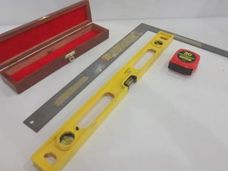 lEVEl  SQUARE  MEASURING TAPE  SMAll STORAGE BOX