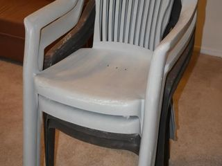 4 PATIO CHAIRS  22 5  X 17  X 36