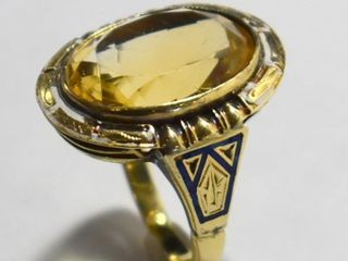 14KT YEllOW GOlD AND GENUINE STONE RING   SIZE 7