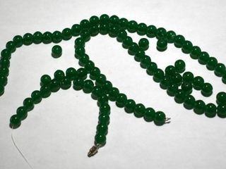 JADE BEADS  BROKEN STRING