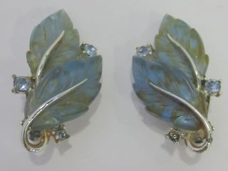 PAIR OF ClIP ON EARRINGS SIGNED lISNER