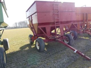 Unverferth 275bu Gravity Wagon