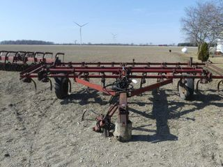 International 45 Vibrashank 15ft Cultivator
