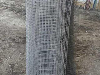 Roll of Steel Rabbit Cage Wire and Poly Mesh