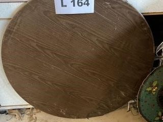 Round card table
