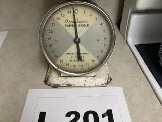 Vintage metal American family scale