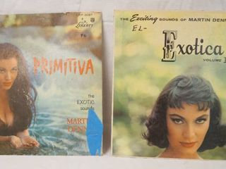 lot of 2 Vintage 12  78 rpm Vinyl Records   See Photos