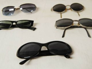 Assortment of Sunglasses   5 Pairs