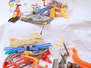Hot Wheels Race Track  See Photos