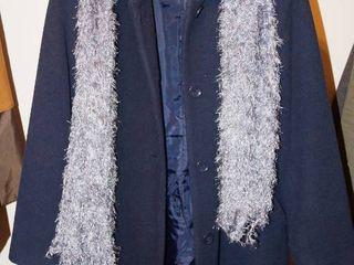 Nice Womens Winter Coat   Chadwicks Size 6 w scarf Navy Color