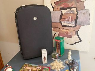 Nice Suitcase and other Misc Items   Some X Mas and GOlFER S COMMANDMENTS PlAQUE