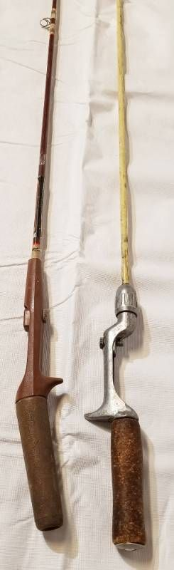 lot of 2 Vintage Fishing Poles   Both w  Cork Handles