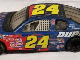 Collectible Die Cast Race Car  24   Du Point