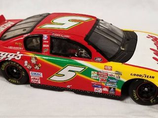 Collectible Die Cast Race Car  w  Hood   Trunk Movable   5   Kellogg s   Advanced Auto Parts