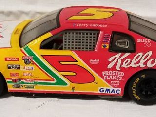 Collectible Die Cast Race Car      5   Kellogg s Corn Flakes
