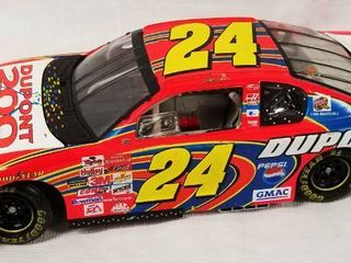 Collectible Die Cast Race Car   24   Du Pont 200 Years  w  Movable Hood and Trunk